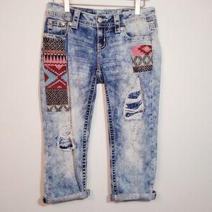 Miss Me Aztec Patched Signature Capri Jeans 26